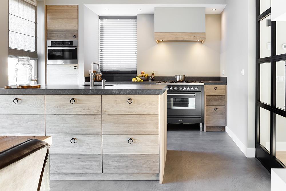 Keuken Landelijk Modern : Eikenhouten keuken landelijk modern u royaal maatwerk keukens
