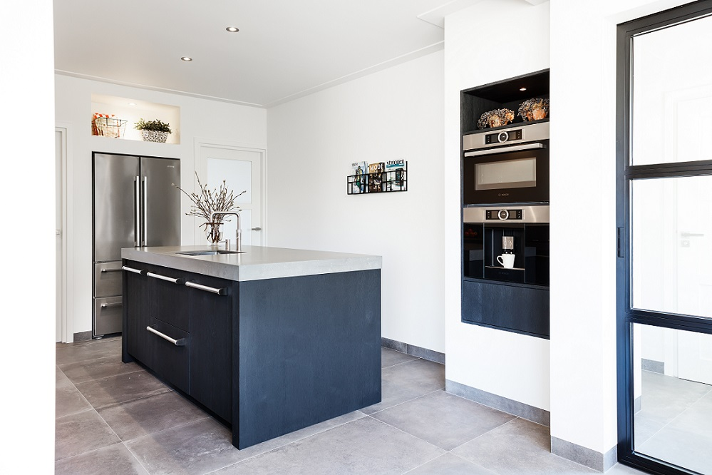 Keuken Zwart Stoere : Stoere keuken met betonlook blad u royaal maatwerk keukens